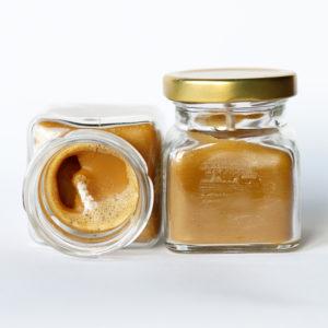 Produkt: Ręcznie wykonana świeczka z naturalnego wosku, zamknięta w słoiczku - sklep pasiekasmakulskich.pl