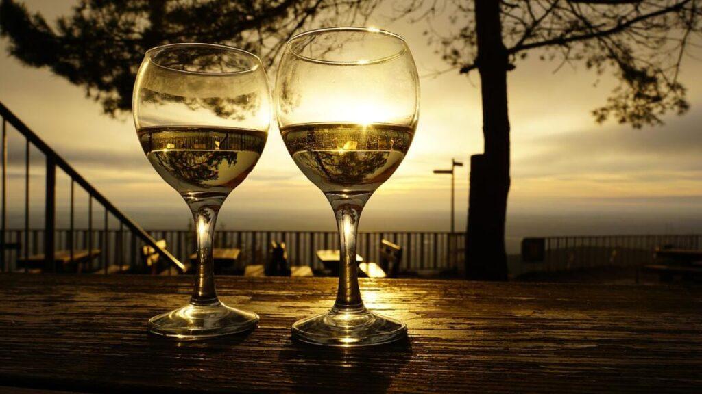 Miodowe alkohole to dobra rzecz dla zdrowia i przyjemności!